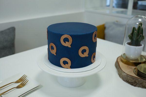 Hoera, QKunst bestaat 15 jaar! | Taart: Sugarlips Cakes | Foto: Mijke Rummens /// Hurray, QKunst is 15 years old! | Cake: Sugarlips Cakes | Photo: Mijke Rummens